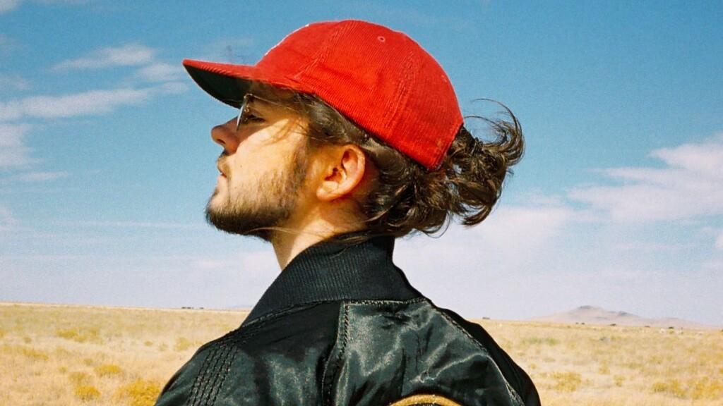 Madeon(マデオン)がエモーショナルに歌う!レアなライブアコースティックセットをYouTubeにアップ、Daft Punk「Digital Love」のカバーも!!