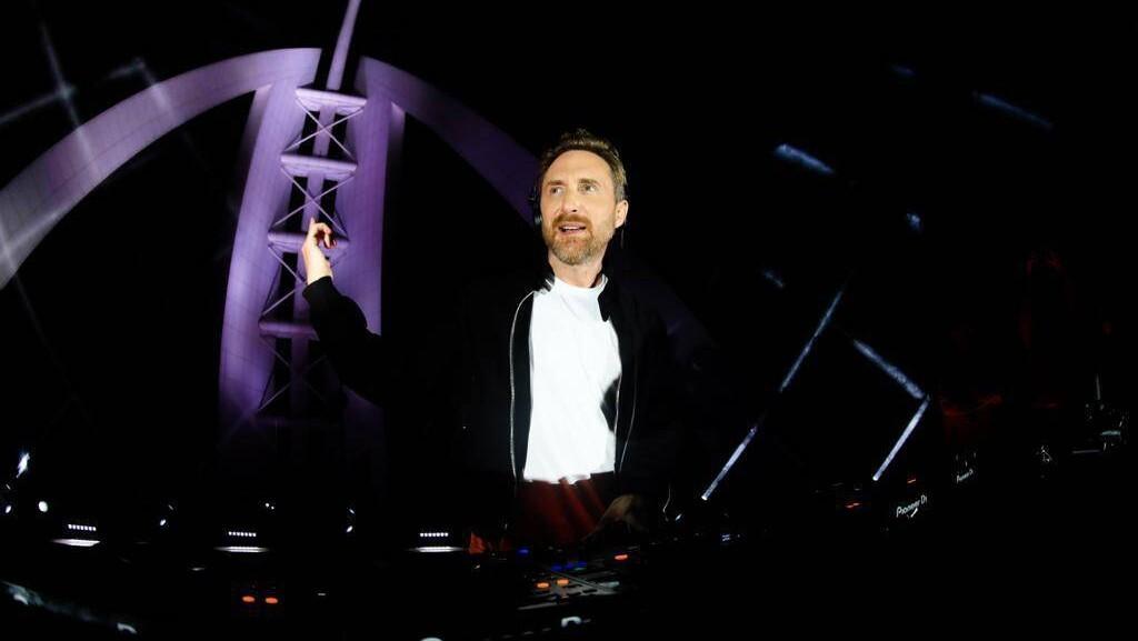 世界Top DJのDavid Guetta(デヴィッド・ゲッタ)、日本時間2021年2月6日(土)夜11時よりドバイからチャリティー無料ライブを生配信!